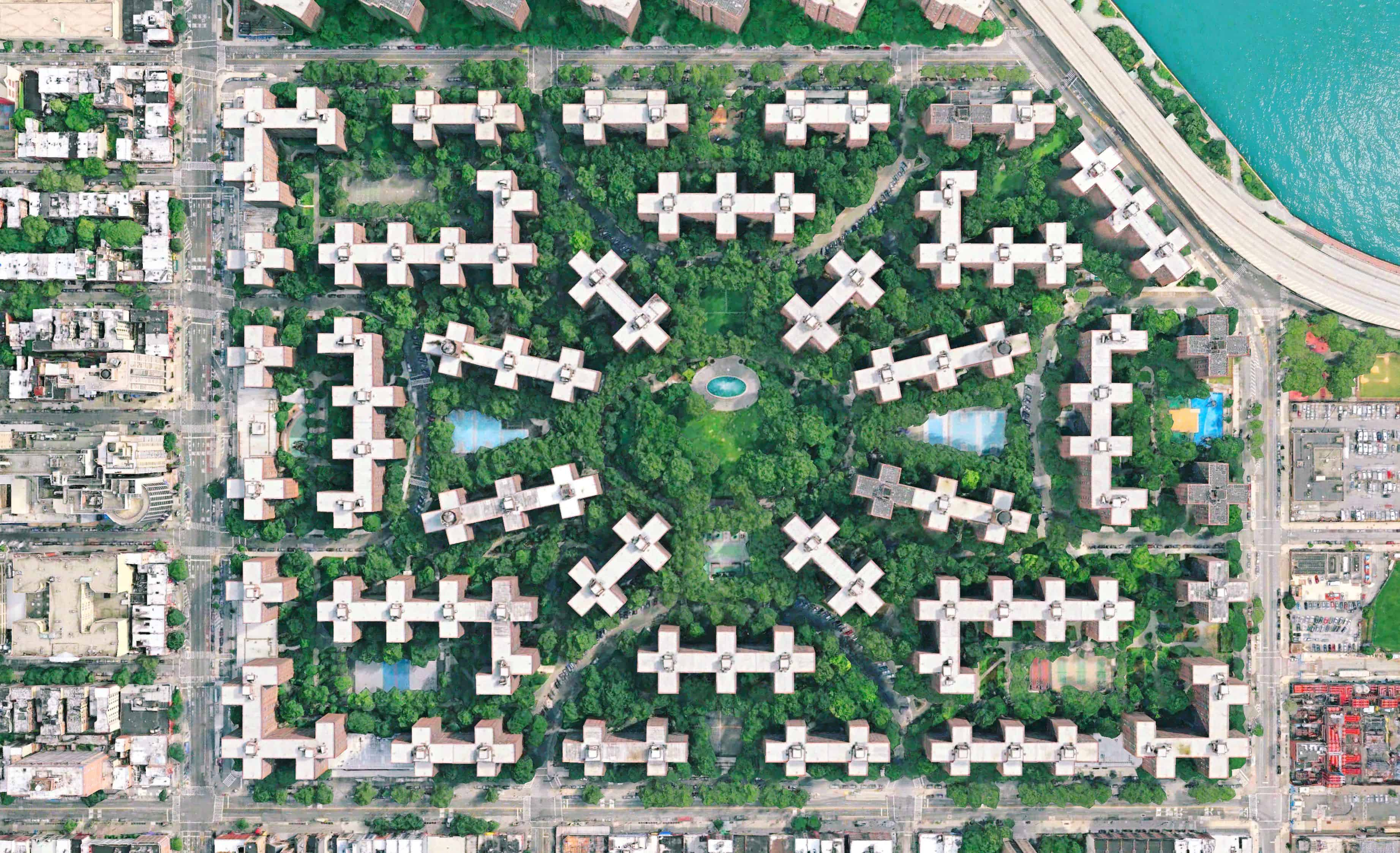 Stuytown, New York, USA - Aerial View - Affordable Housing - Le Corbusier - Urban Planning