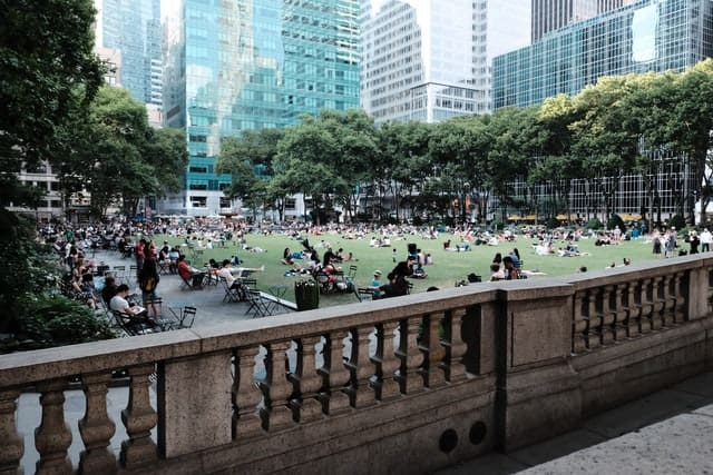 Bryant Park, New York - Improve Quality of Life - Sustainable Communities